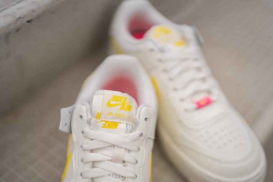Nike Wmns AF1 Shadow beige jaune et rose (3)