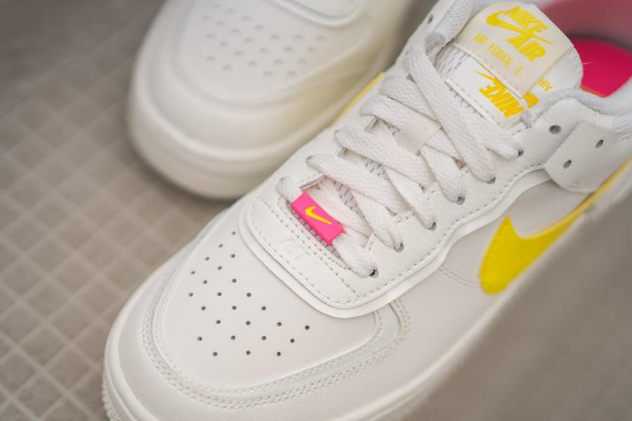 Nike Wmns AF1 Shadow beige jaune et rose (4)