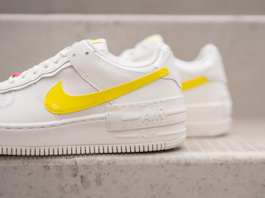 Nike Wmns AF1 Shadow beige jaune et rose (7)