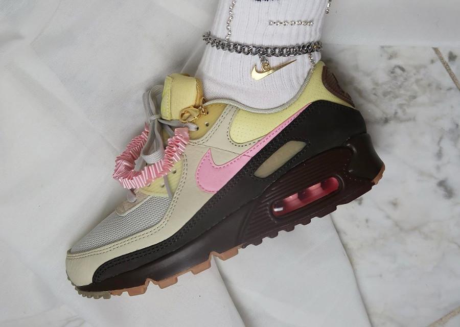 CZ0469 200 : que vaut la Nike Wmns Air Max 90 PRM Velvet