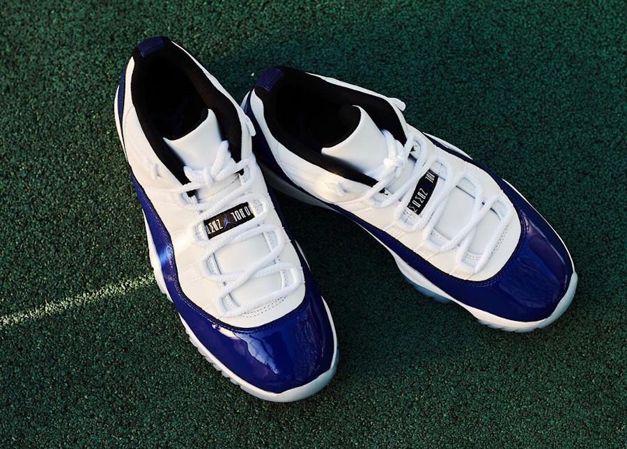 Womens Air Jordan XI Retro en cuir brillant bleu violet (3)