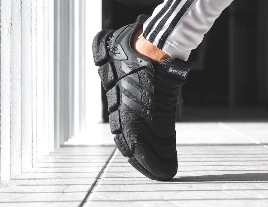Adidas Clima Cool noire on feet (5)