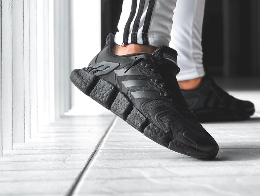 Adidas Clima Cool noire on feet (6)