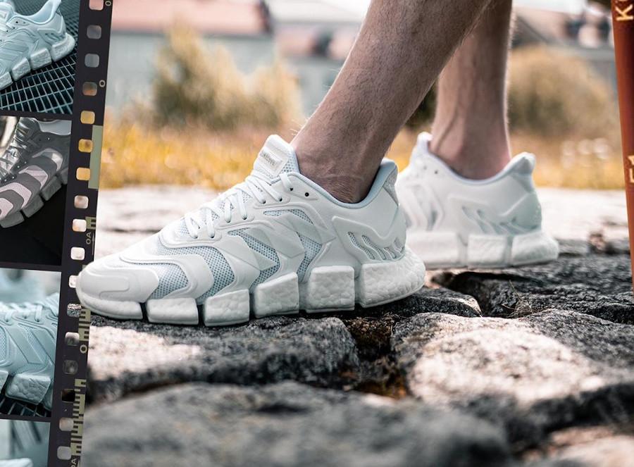 Adidas Climacool 2020 blanche on feet (2)