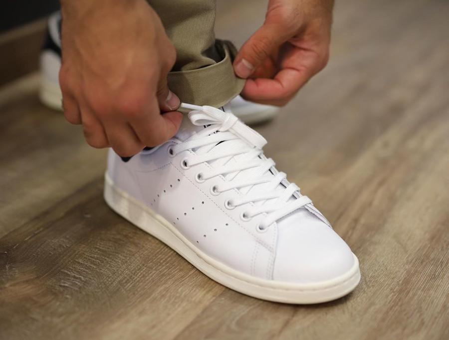 Adidas Stan Smith avec 2 Trèfles (blanche et bleu marine) (4)