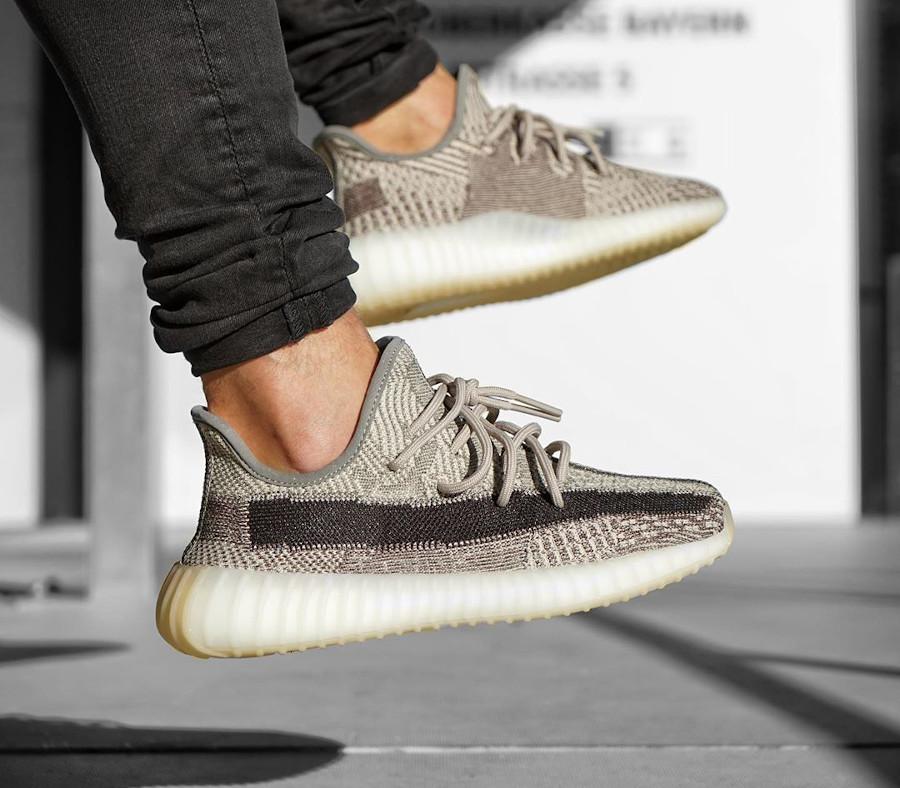 Adidas Yeezy Boost 350 V2 Zion grise et beige (2)