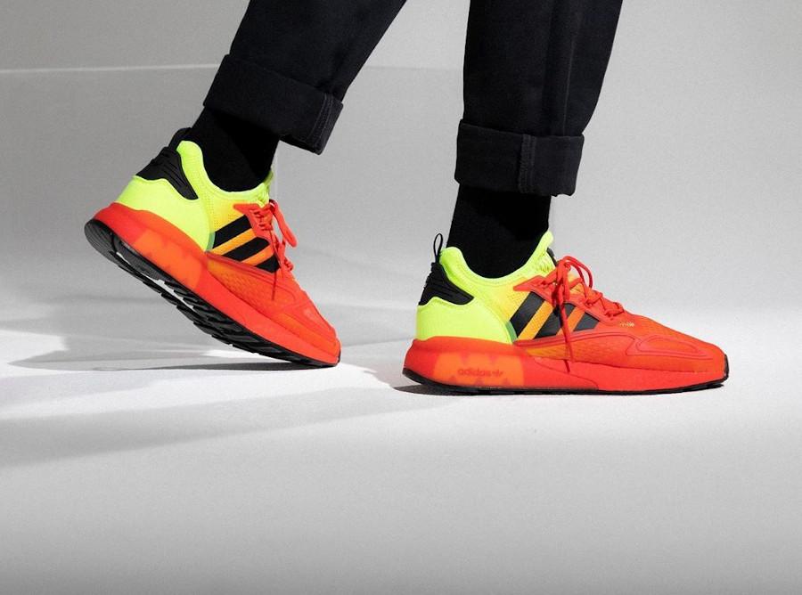 Adidas ZX 2K Boost dégradé jaune fluo et rouge on feet