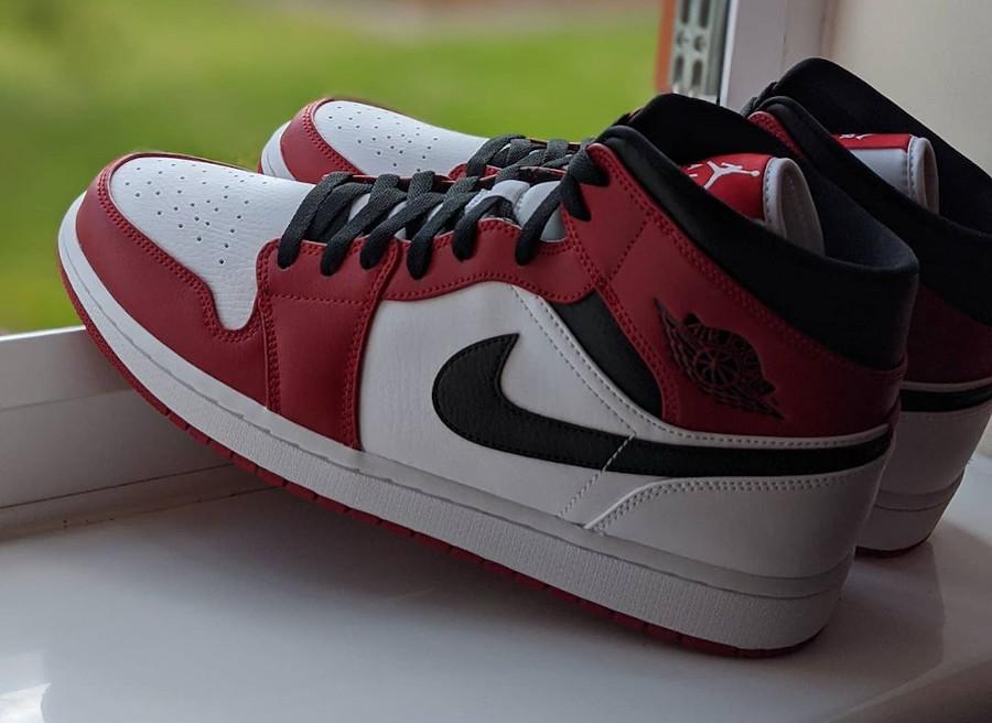 Air Jordan 1 mi-montante 2020 homme blanche noire et rouge (1)