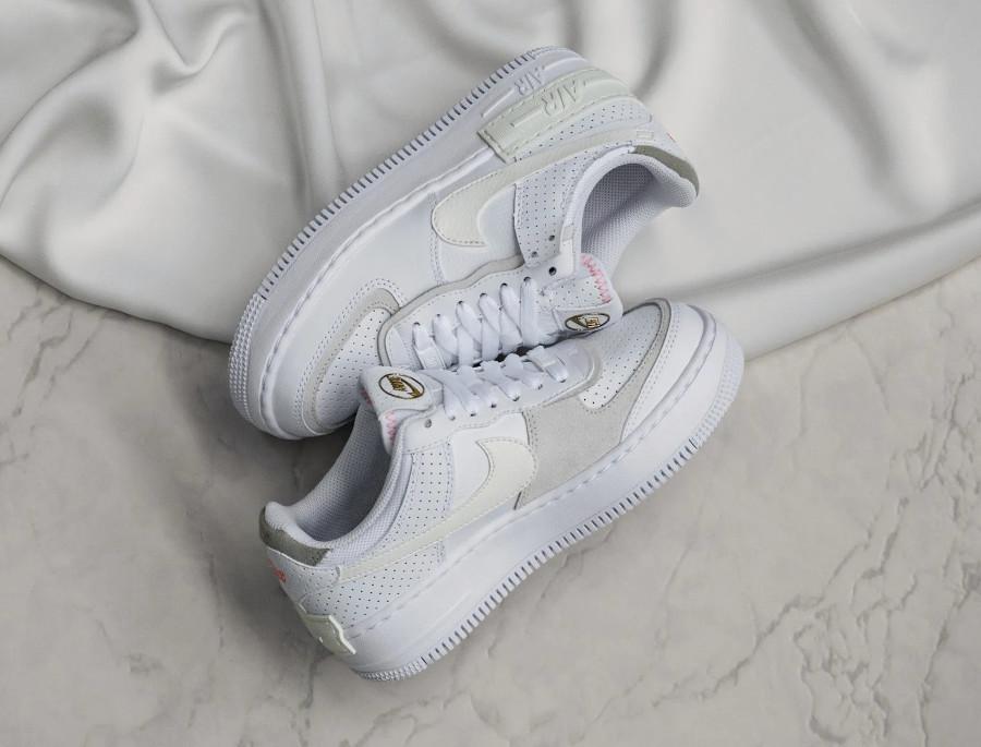 Nike AF1 Shadow femme blanche beige doré (cuir perforé) (8)