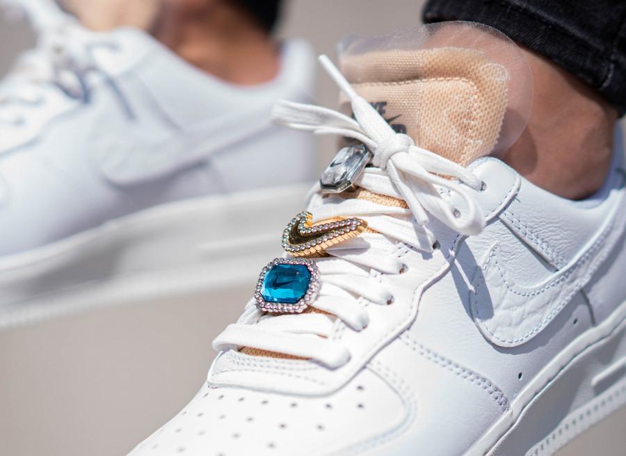bijoux chaussure nike