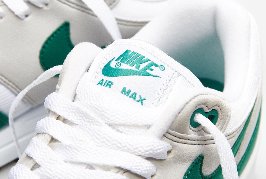 Nike Air Max 1 1987 verte grise et blanche (5)