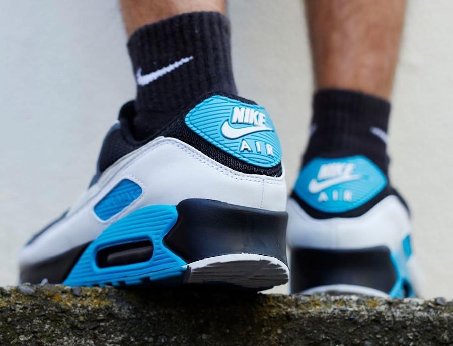 Nike Air Max 90 2020 bleu noir gris et blanc on feet (1)