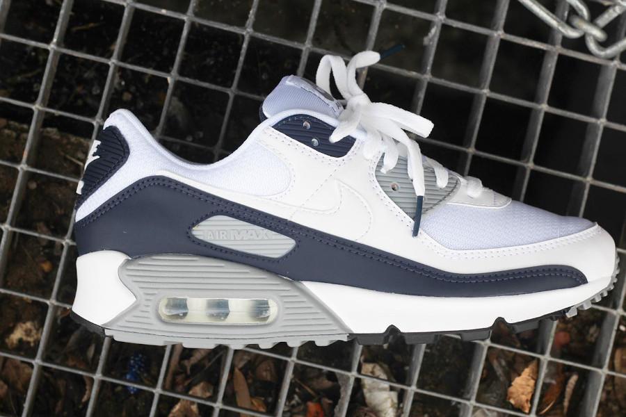 Nike Air Max 90 30ème anniversaire blanche bleu foncé et grise (1)