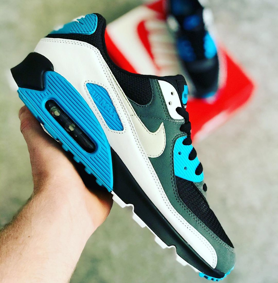 Nike Air Max 90 Recrafted Reverse Laser Blue (2)