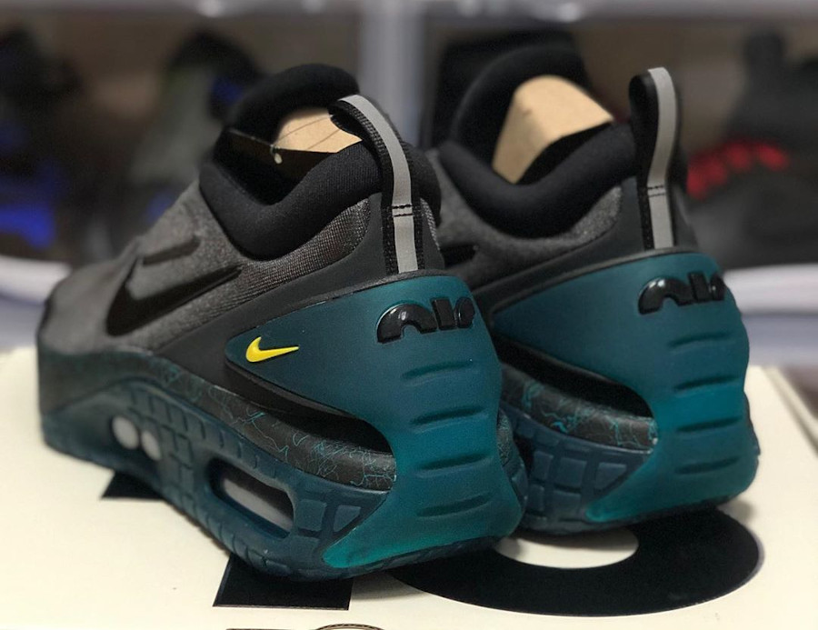Nike Air Max 90 au laçage automatique grise et noire (3)