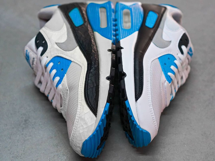 Nike Air Max III Laser Blue 1990 vs 2020 (2)