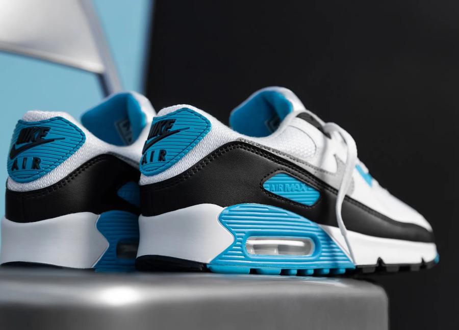 Nike Air Max III bleue blanche et noire 2020 (3)