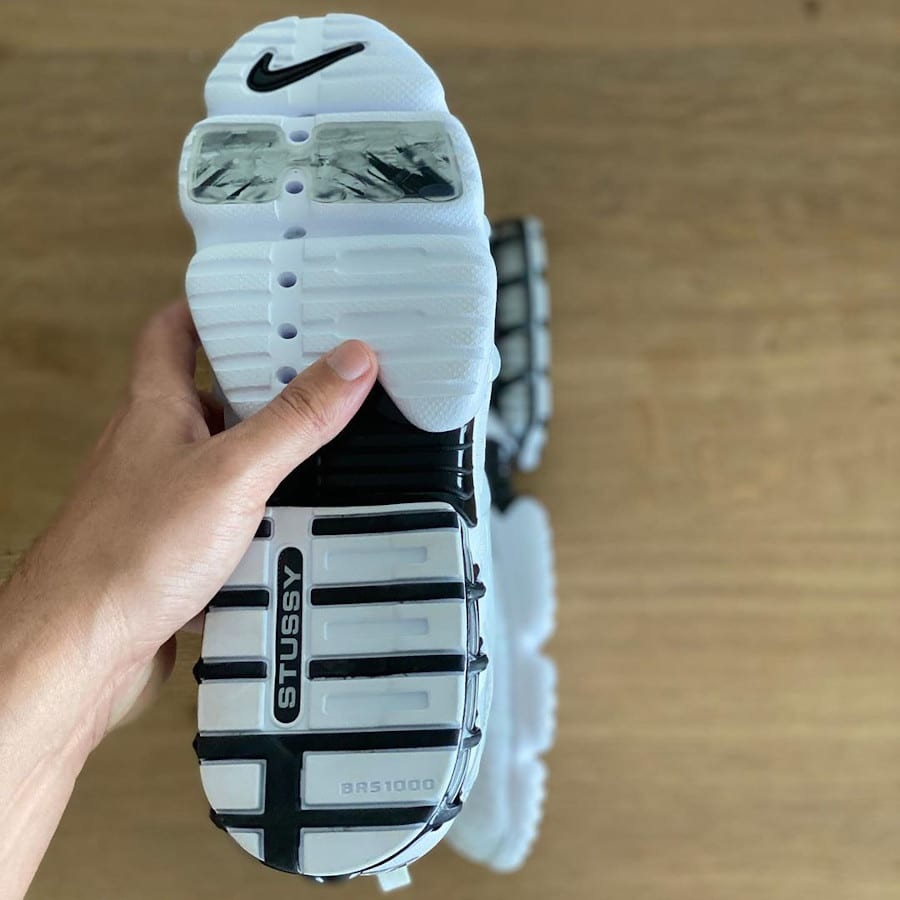 Nike Air Zoom Kukini blanche rouge et noire (3)