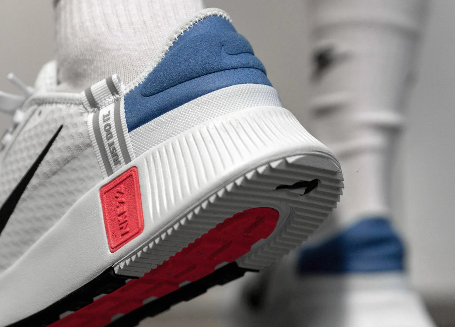 Nike Reposto Nike 1972 Just Do it blanche bleu et rouge (1)