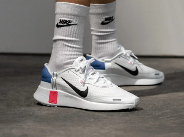 Nike Reposto Nike 1972 Just Do it blanche bleu et rouge (3)