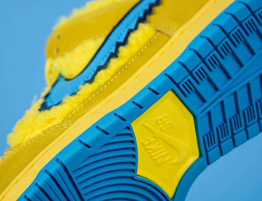 Nike SB Dunk Low en peluche jaune Bear's Dancing (6)
