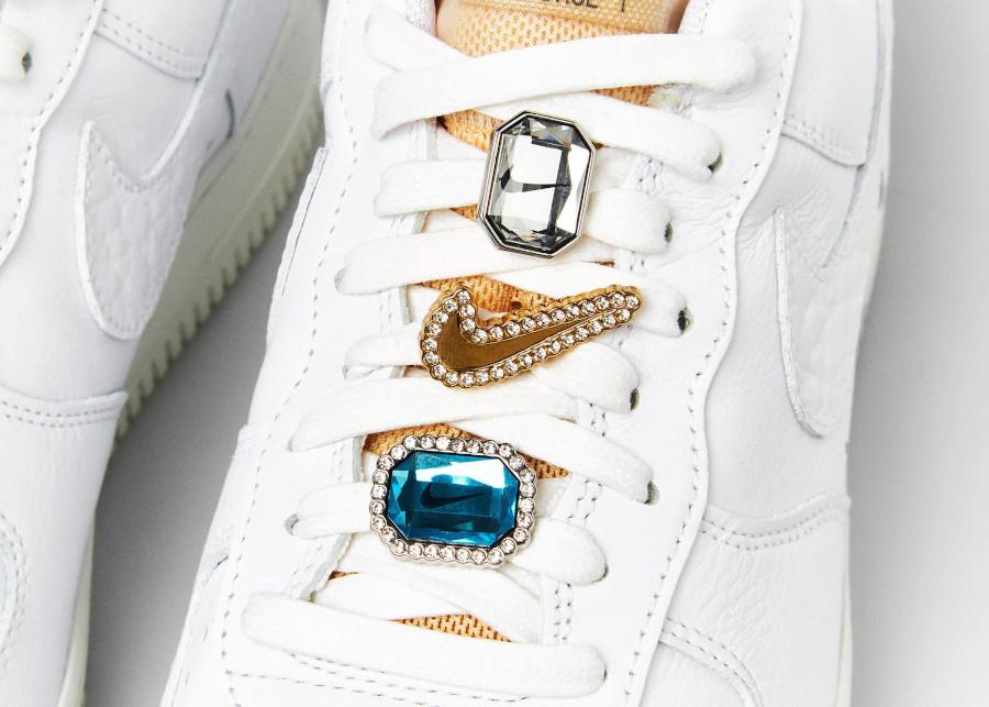 Nike Air Force 1 Low blanche avec des bijoux (6)
