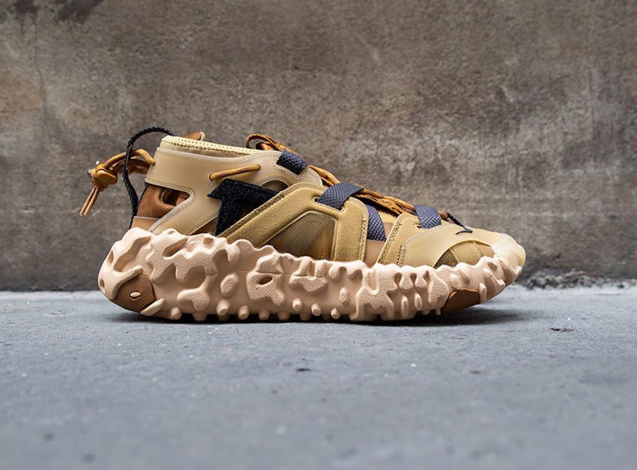 Sandale Nike Overreact ISPA marron et beige (2)