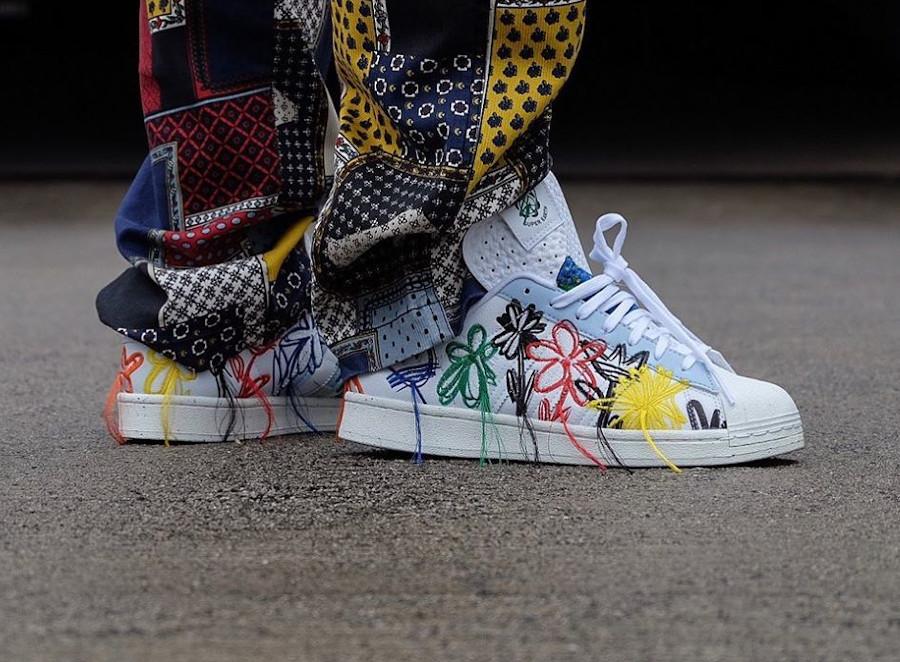 Adidas Superstar 'Super Earth'on feet (2)