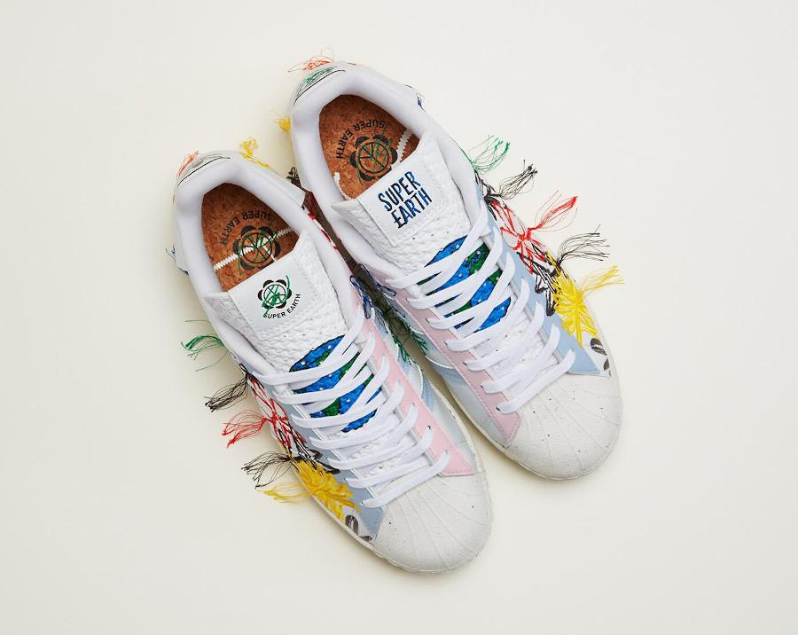 Adidas Superstar Vegan 50th avec fleurs brodées multicolores (2)