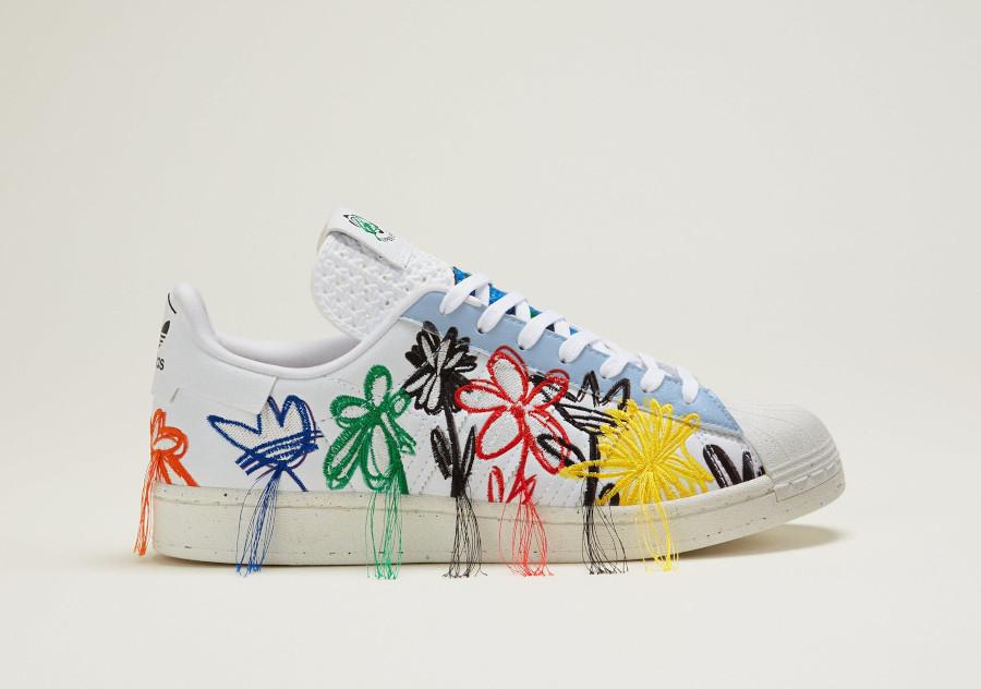 Adidas Superstar Vegan 50th avec fleurs brodées multicolores (4)