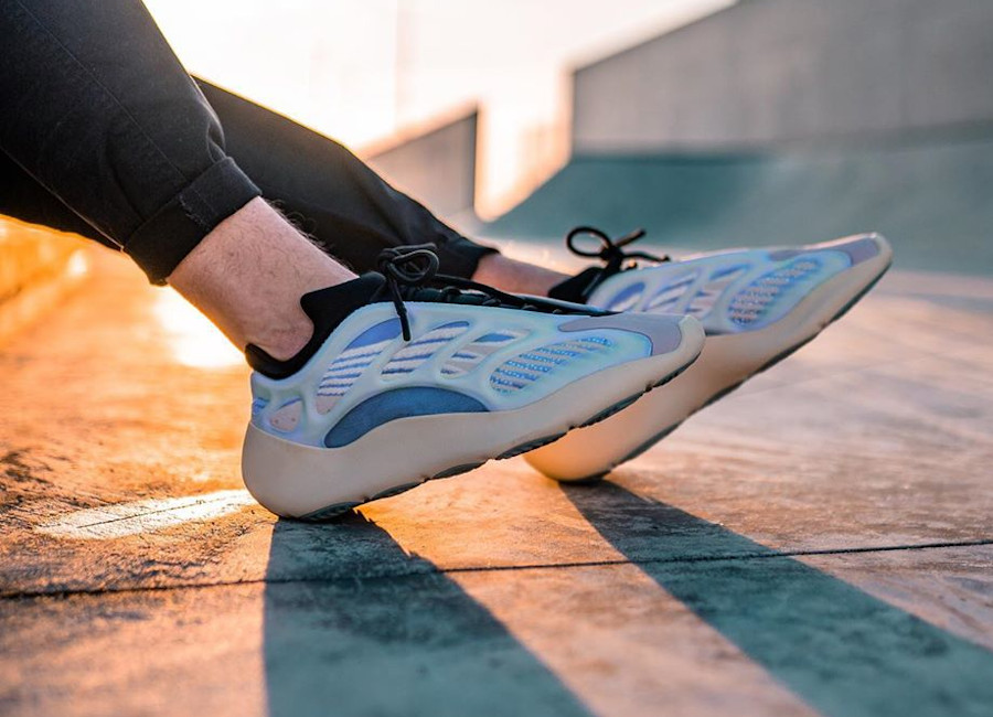 adidas yeezy bleu