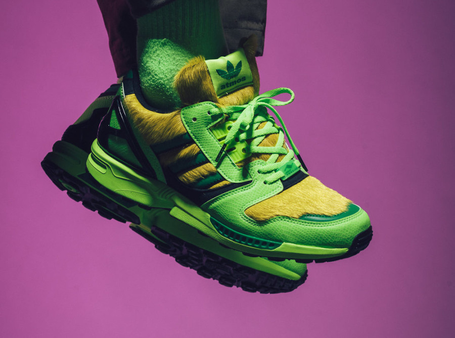Adidas ZX 8000 AZ-X 2020 peau de serpent vert fluo on feet (2)