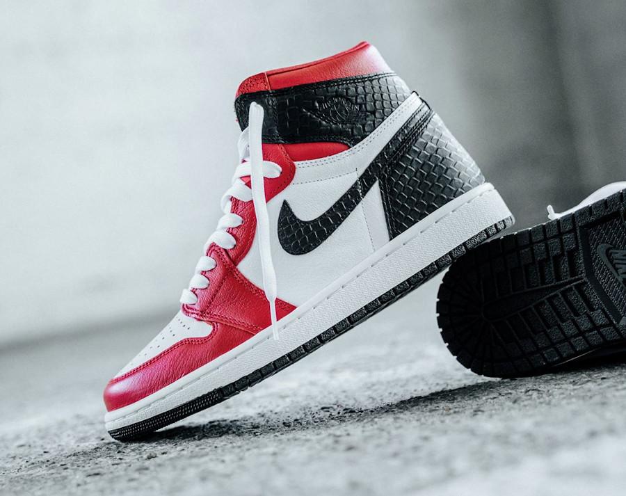 Air Jordan 1 Hi 2020 cuir rouge satiné et peau de serpent (2)