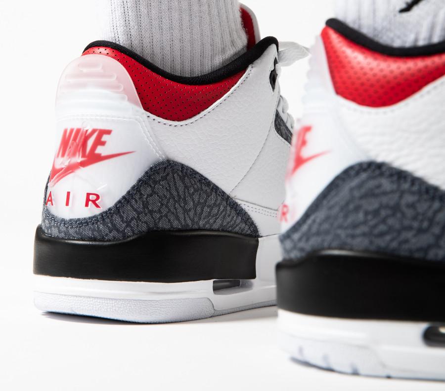 Air-Jordan-III-2020-Retro-blanche-rouge-avec-du-jeans-1