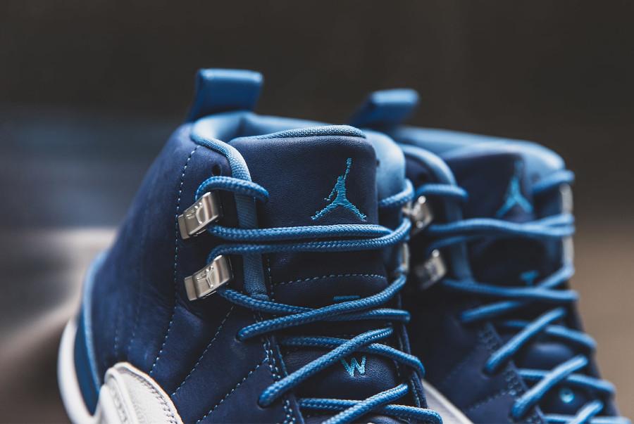 Air Jordan XII 2020 blanche et bleu foncé pour homme (2)