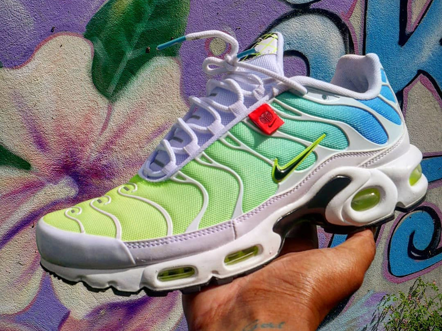 Nike Air Max Plus Requin Worldwide Pack