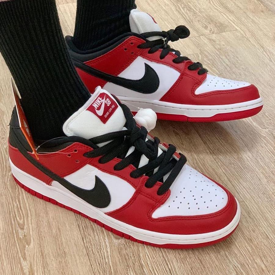 Nike Dunk Low Pro SB rouge blanche et noire (1)
