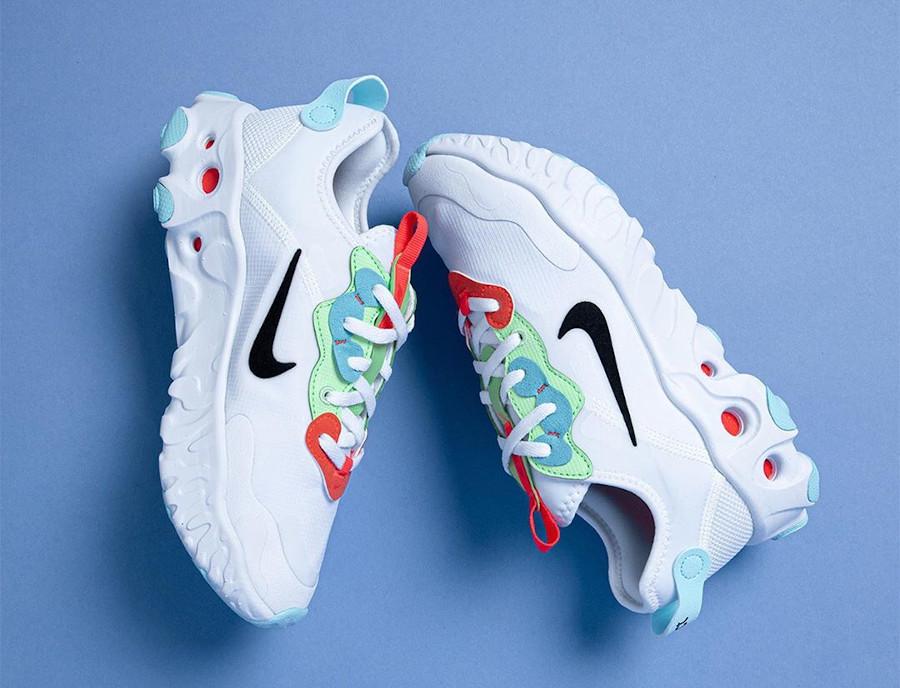Nike React Artemis blanche rouge verte et bleu pour femme (1)