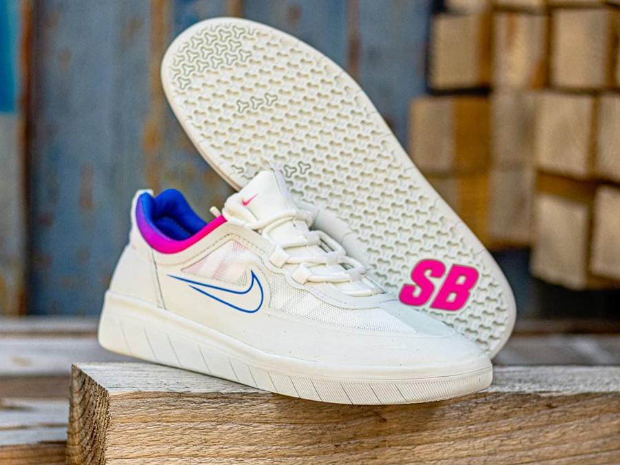 Nike SB Nyjah Free 2 blanche bleu et rose (4)