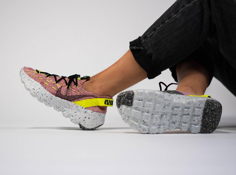 Nike Space Hippie 04 rose grise et jaune fluo (3)