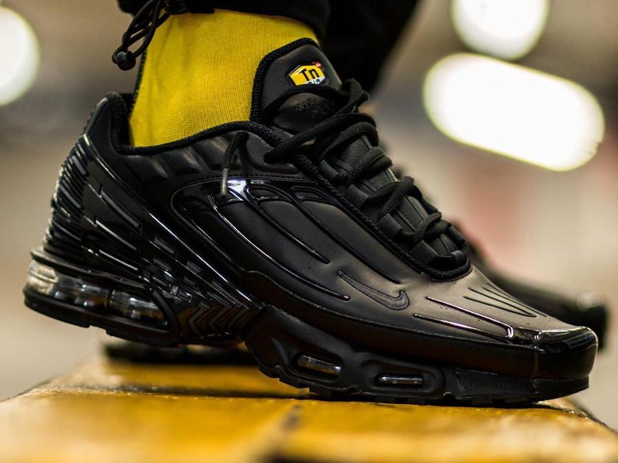 Nike Tuned 3 noire pour homme (1)