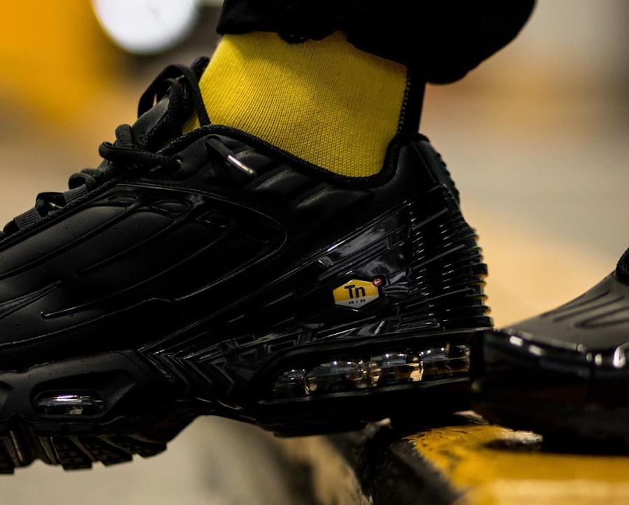 Nike Tuned 3 noire pour homme (2)