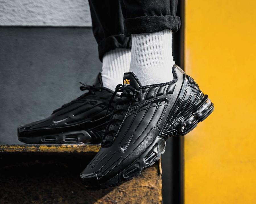 Nike Tuned 3 noire pour homme (6)