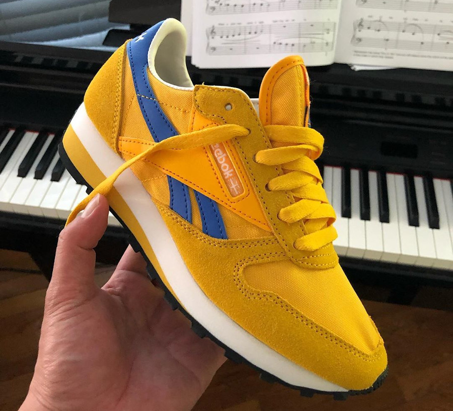Reebok CL LTHR AZ jaune doré et bleu (3)