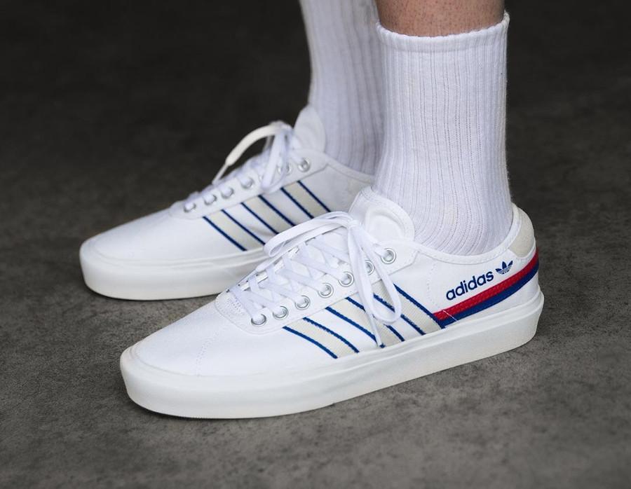 Adidas Delpala blanche rouge et bleu (3)