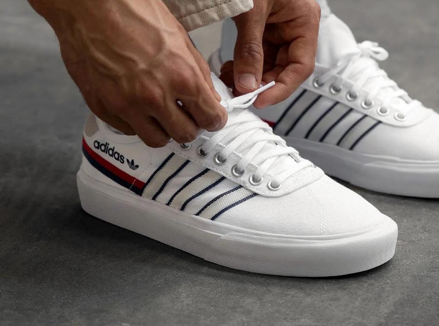 Adidas Delpala blanche rouge et bleu (5)
