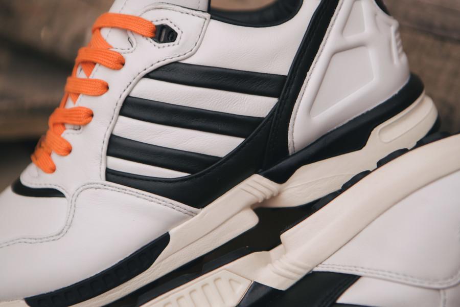 Adidas-Originals-ZX6000-bianconeri-turin-4