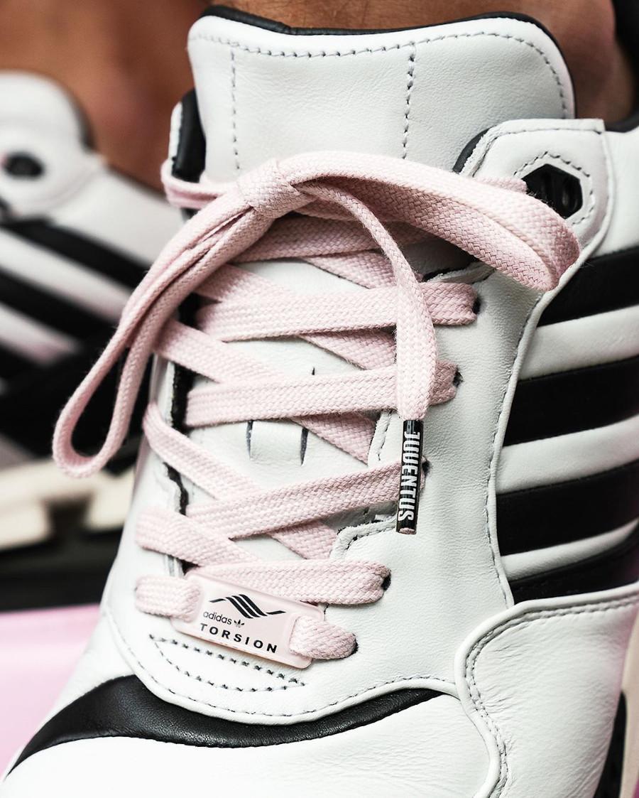 Adidas Originals ZX6000 bianconeri turin on feet (3)