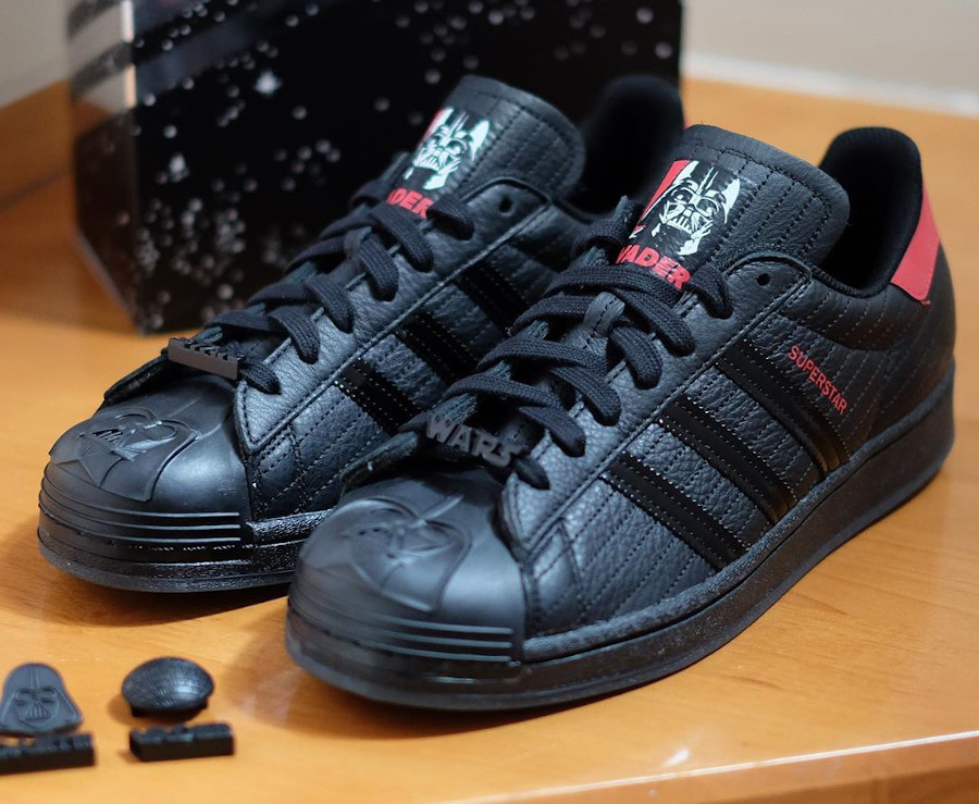 Adidas Superstar Star Wars Dark Vador FX9302