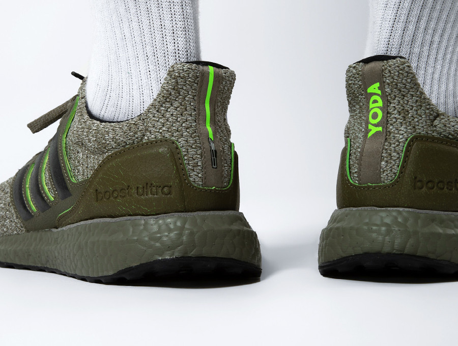 Adidas-UltraBoost-DNA-Master-Jedi-Yoda-verte-1